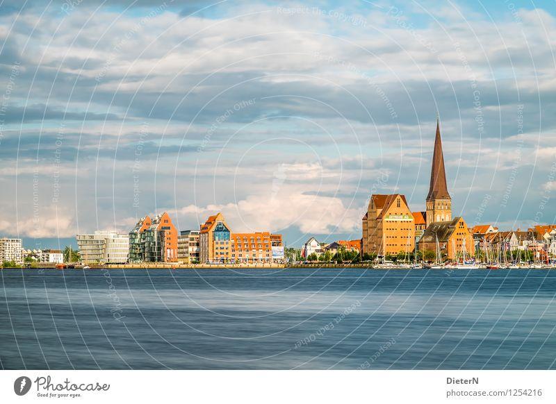 Dächer Stadt blau weiß Haus Architektur Gebäude braun Deutschland gold Europa Kirche Turm Bauwerk Hafen Wahrzeichen Stadtzentrum
