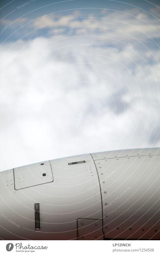 Up up to the Sky. Ferien & Urlaub & Reisen Tourismus Ausflug Luft Himmel Wolken fliegen bedrohlich hoch retro Hilfsbereitschaft Abenteuer Angst Krieg Tod