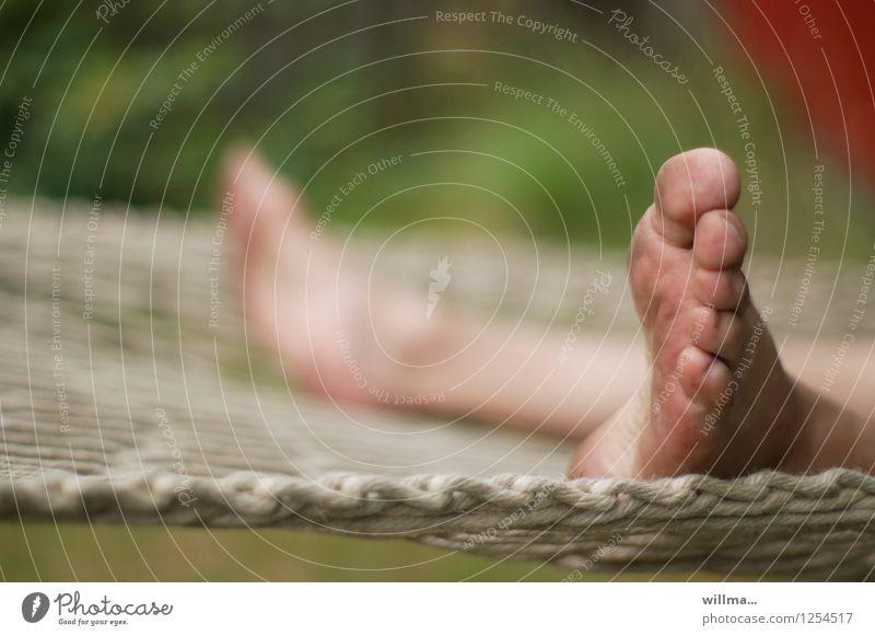 schmutzige Füße in Hängematte Fuß Zehen Füße hoch Erholung schaukeln dreckig Freizeit & Hobby Gelassenheit Langeweile Pause ausruhend Urlaubsstimmung