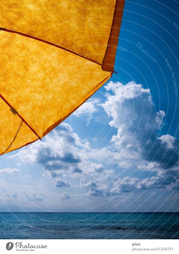 Sonnenschirm Schwimmen & Baden Ferien & Urlaub & Reisen Ferne Freiheit Sommer Sommerurlaub Sonnenbad Strand Meer Natur Wasser Himmel Wolken Sonnenlicht Nordsee