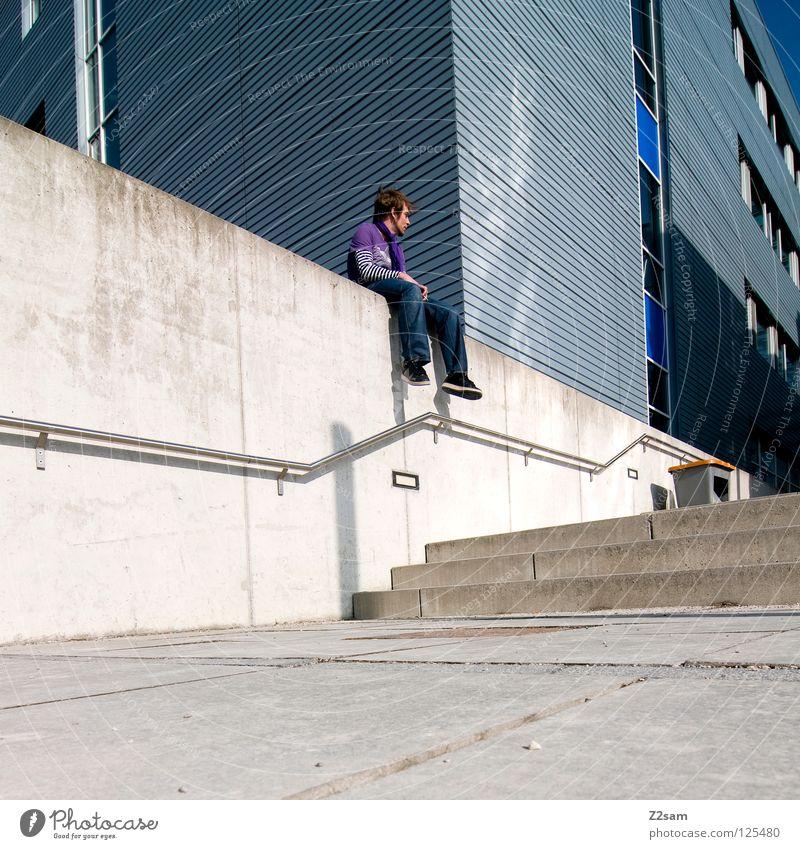 aussicht Mensch Mann Hand Jugendliche weiß Stadt Farbe Lampe Erholung Wand Stil Mauer Gebäude Architektur glänzend blond