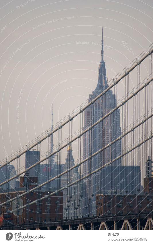 Empire State Building, nah' der blauen Stunde Himmel Ferien & Urlaub & Reisen Stadt Haus Ferne Architektur Gebäude Tourismus Hochhaus Erfolg groß Zukunft