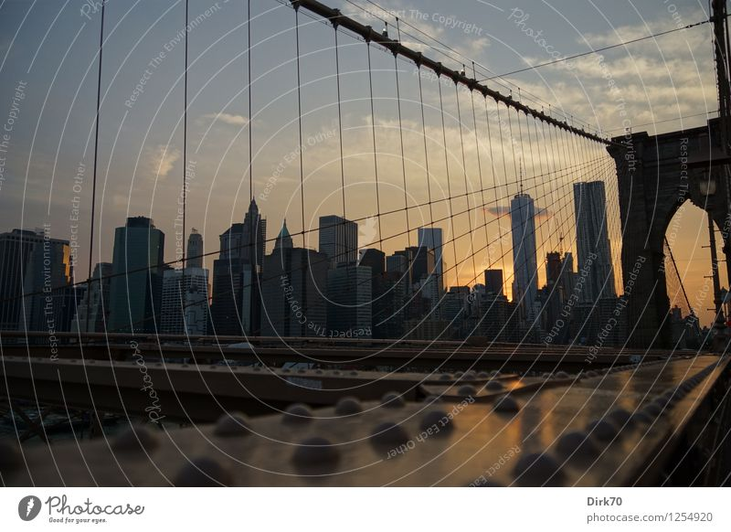 Manhattan Sunset Ferien & Urlaub & Reisen Stadt Sommer Wolken dunkel Architektur Hochhaus Brücke Schönes Wetter Macht Kitsch USA Skyline Bankgebäude Mitte