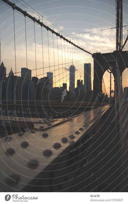 Brooklyn Bridge Sunset Himmel Ferien & Urlaub & Reisen Stadt alt Sommer Wolken Haus Tourismus Schönes Wetter Brücke Macht Turm Netzwerk USA Skyline