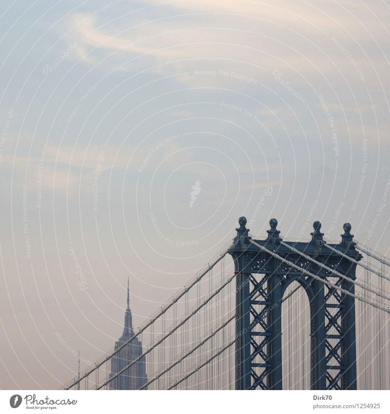 Der Himmel über New York Ferien & Urlaub & Reisen Stadt Architektur Tourismus modern Verkehr Hochhaus Beton Schönes Wetter retro Brücke Seil Coolness USA