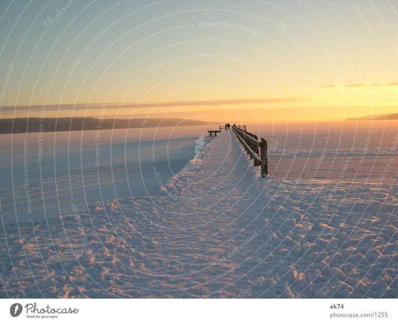 Steg im Schnee Winter Brücke