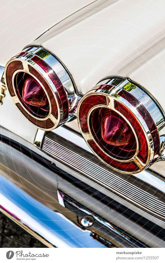 us muscle car alt Stil Design PKW elegant ästhetisch Reichtum Fahrzeug KFZ klassisch Oldtimer Chrom Dekadenz Heck Rücklicht Cockpit