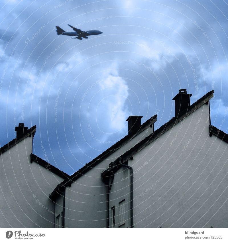 This Is Not America Himmel Ferien & Urlaub & Reisen blau schön weiß Wolken Haus Fenster Wand Architektur Mauer fliegen Häusliches Leben Luft Luftverkehr modern
