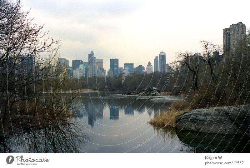 Central Park, New York Wasser Ferien & Urlaub & Reisen See Hochhaus USA Amerika Skyline Manhattan New York City