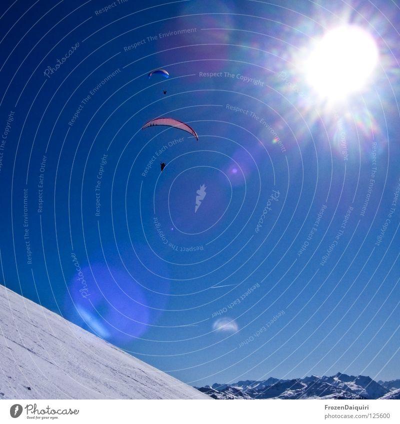 paraglider 1 Fallschirm Flugzeug Flugsportarten Kondensstreifen Reflexion & Spiegelung Gleitschirmfliegen rot Sonnenstrahlen Strahlung Bundesland Tirol Verkehr