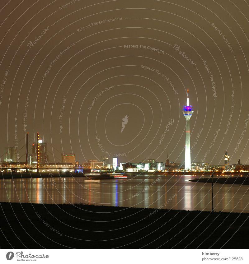 big city life Stadt blau Straße Lampe Beleuchtung Lifestyle Brücke modern Turm Spitze Skyline Düsseldorf Belichtung Fernsehturm Rhein