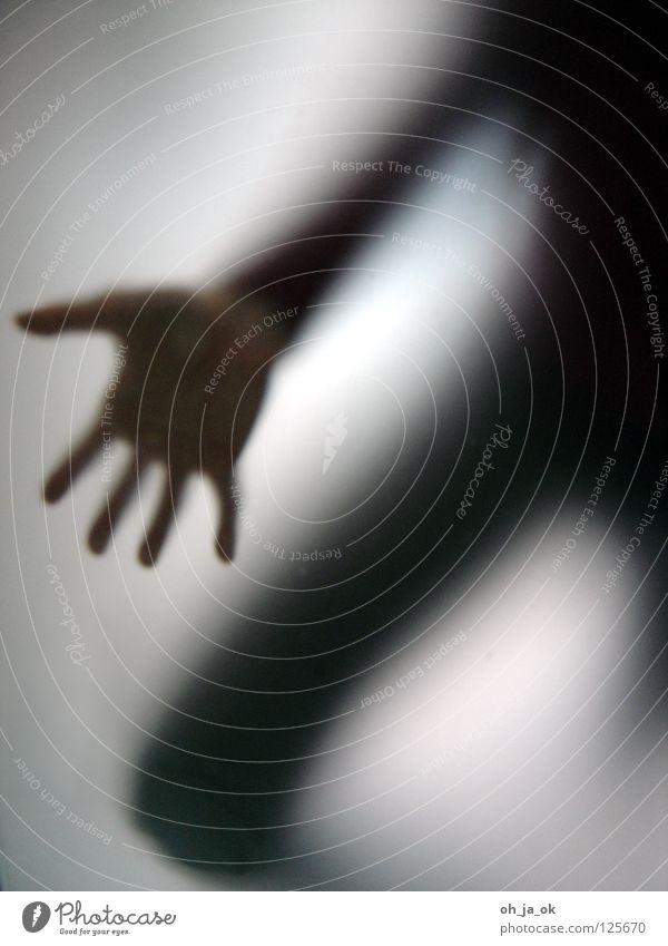 4 Mensch Hand schwarz Beine Glas Vergänglichkeit unheimlich