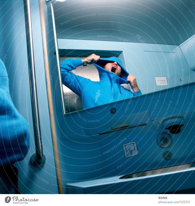 eruption himmelblau hell-blau Spiegel schreien Wut Ärger laut Kapuze Krach Alarm Gefühle Ausbruch Mann Verkehr bläulich Reflexion & Spiegelung Angst Mund Maul