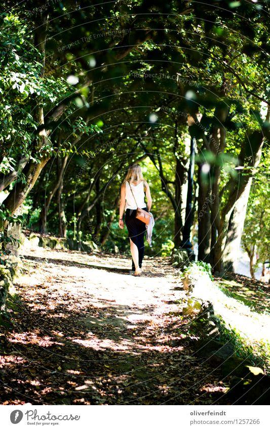 Porto III Ferien & Urlaub & Reisen Tourismus Ausflug Abenteuer Sommer Sommerurlaub Sonne Mensch feminin Junge Frau Jugendliche 1 18-30 Jahre Erwachsene Umwelt