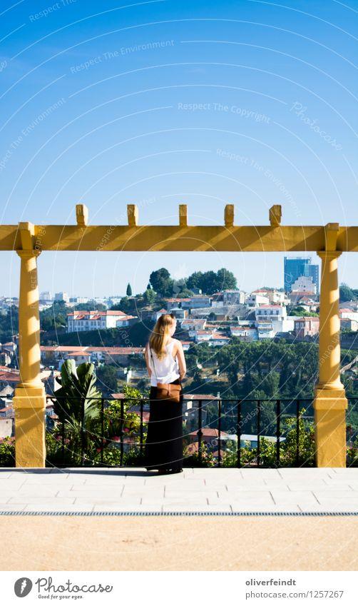 Porto II Mensch Himmel Natur Ferien & Urlaub & Reisen Jugendliche Stadt Pflanze schön Sommer Junge Frau Erholung Ferne 18-30 Jahre Erwachsene Umwelt Wärme