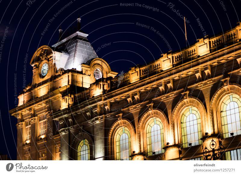 Porto VII - Estação de São Bento Ferien & Urlaub & Reisen Stadt Haus dunkel schwarz gelb Architektur Gebäude Fassade Tourismus ästhetisch Ausflug Bauwerk