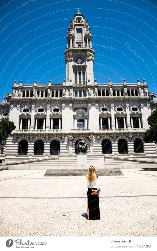 Porto VIII - Câmara Municipal do Porto Ferien & Urlaub & Reisen Tourismus Ausflug Sightseeing Städtereise Sommer Sommerurlaub Mensch feminin Junge Frau