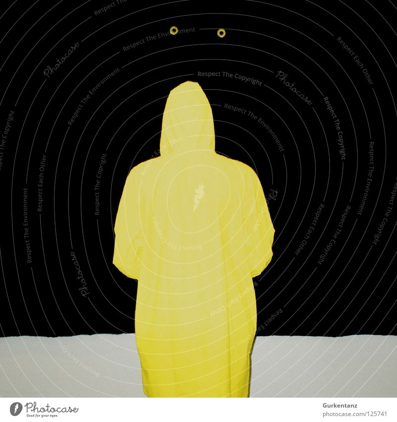 Gelbgespenst schwarz gelb Regen Kunst Bekleidung Kultur Konzentration blind Gummi Besucher Filz Regenjacke Kopenhagen Schutzdach Regenmantel