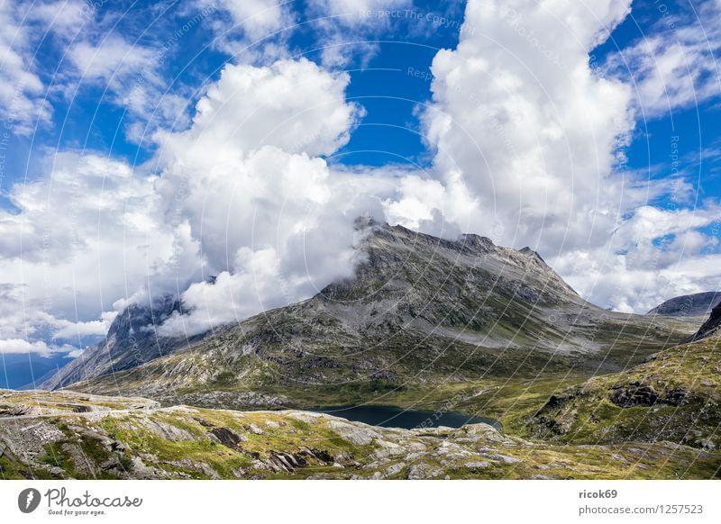 Berg Natur Ferien & Urlaub & Reisen Erholung Landschaft Wolken Berge u. Gebirge Idylle Skandinavien Norwegen Trollstigen Møre og Romsdal