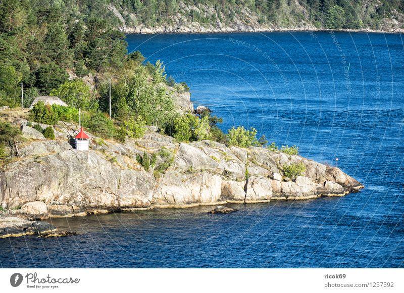 Am Oslofjord Natur Ferien & Urlaub & Reisen Wasser Baum Erholung Wald Architektur Küste Felsen Tourismus Idylle Insel Bucht Sehenswürdigkeit Leuchtturm Norwegen