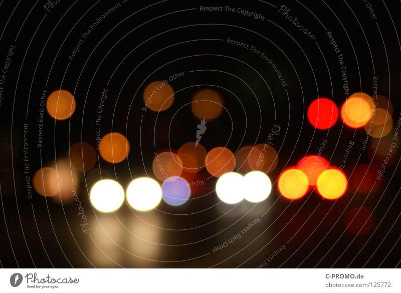 Urban blur night lights III Unschärfe träumen Ampel Leuchtreklame Licht rot gelb Lichtpunkt abstrakt Hintergrundbild Straßenverkehr Farbe Verkehrswege orange