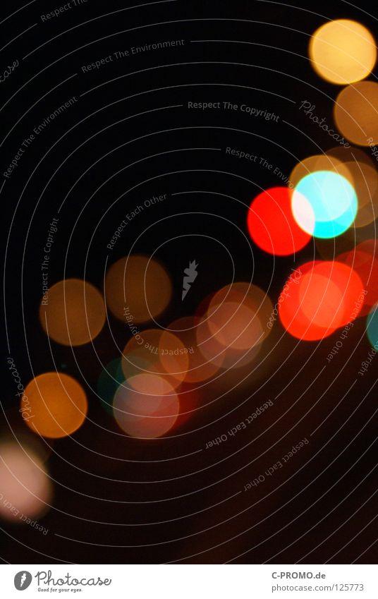 Urban blur night lights IV Unschärfe träumen Ampel Leuchtreklame Licht rot gelb Lichtpunkt abstrakt Hintergrundbild Straßenverkehr Konzert Verkehrswege Farbe