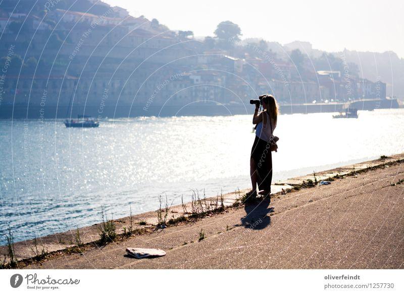 Porto Mensch Himmel Ferien & Urlaub & Reisen Jugendliche Sommer Stadt Junge Frau Wasser Sonne Haus 18-30 Jahre Erwachsene Wärme feminin Tourismus Wasserfahrzeug