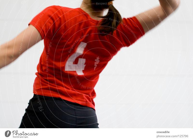 #4 Spielen Ballsport rot T-Shirt Top dünn feminin Frau Hose Geschwindigkeit schlagen Zopf dunkel Freude k12 k13 volleyball wdg Bewegung Rücken Unschärfe