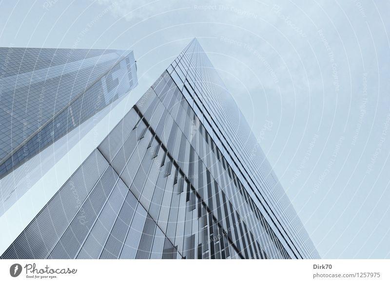 Hart und kalt Himmel Stadt blau Einsamkeit außergewöhnlich Lifestyle Linie Fassade Business glänzend träumen Wachstum elegant modern Glas