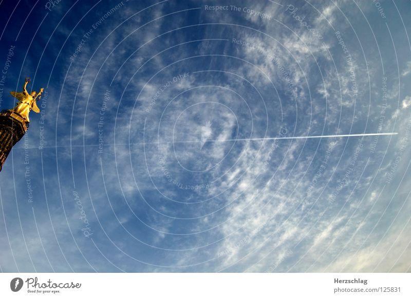 Fly Away - Berlin Flugzeug Wolken Siegessäule Stimmung Himmel Freiheit gold Graffiti blau frei