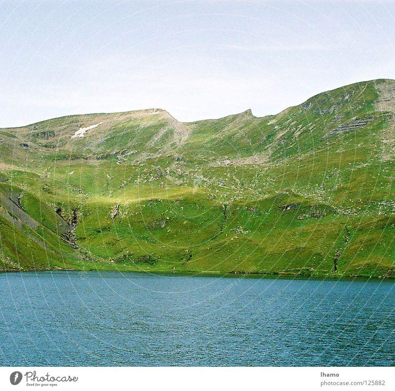 Es grünt so Grün Wiese Sommer See Berner Oberland wandern Grindelwald Schweiz Berge u. Gebirge Alm Alpkäse Sennhütte blau hoch Hagel Neigung