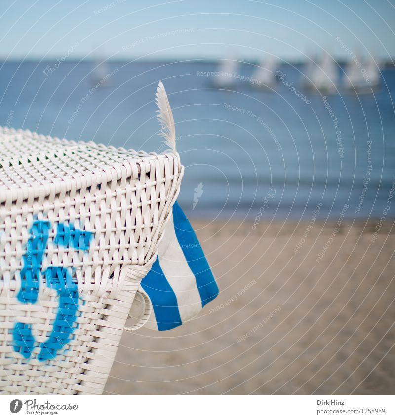 Erkennungszeichen Umwelt Natur Küste Strand Nordsee Ostsee Meer außergewöhnlich Unendlichkeit maritim blau braun weiß einzigartig Tourismus Feder Strandkorb 5