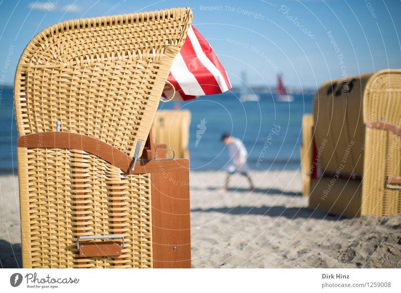 Strandtag V Lifestyle Umwelt Natur Sand Wasser Himmel Sommer Küste Bucht Ostsee Meer Wärme blau Freude Lebensfreude Gelassenheit Erholung Tourismus