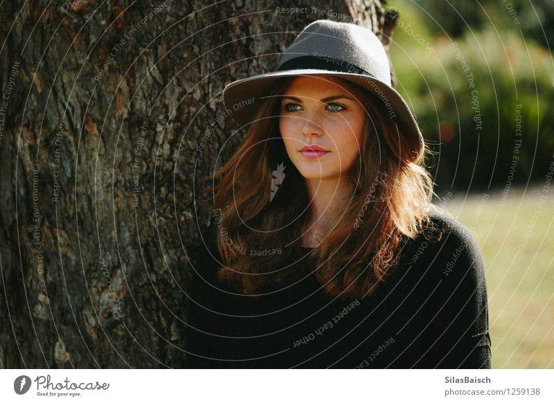 Schönheit Lifestyle elegant Stil Körper Schminke Lippenstift Ferien & Urlaub & Reisen Tourismus feminin Junge Frau Jugendliche 18-30 Jahre Erwachsene Natur