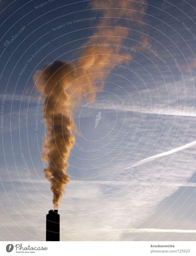 Rauchzeichen Himmel blau Wolken gelb Wärme Stimmung Energiewirtschaft Nebel Kraft Technik & Technologie hoch Klima Industrie Streifen Brand Industriefotografie