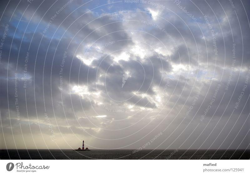 umzingelt Wasser Himmel Sonne Meer Wolken Einsamkeit Ferne Wellen Wind bedrohlich Sturm Leuchtturm Nordsee Schleswig-Holstein Flut Deich