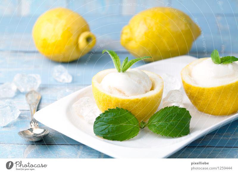 Zitronen Eis Lebensmittel Joghurt Milcherzeugnisse Frucht Dessert Speiseeis Süßwaren Ernährung Bioprodukte Vegetarische Ernährung Diät Geschirr Teller Löffel