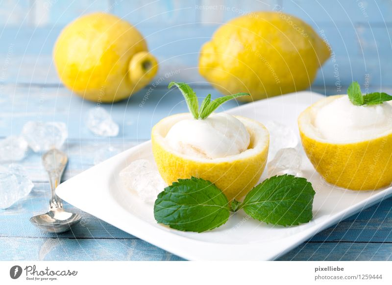 Zitronen Eis Sommer Gesunde Ernährung Essen Holz Gesundheit Lifestyle Lebensmittel Frucht Speiseeis süß Küche Wellness Süßwaren Bioprodukte Geschirr