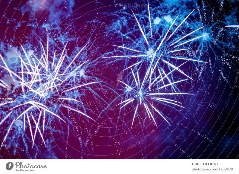 Feuerwerk #11072015_0033 blau schön Freude Feste & Feiern Stimmung oben Party glänzend leuchten ästhetisch Zukunft Unendlichkeit violett Silvester u. Neujahr