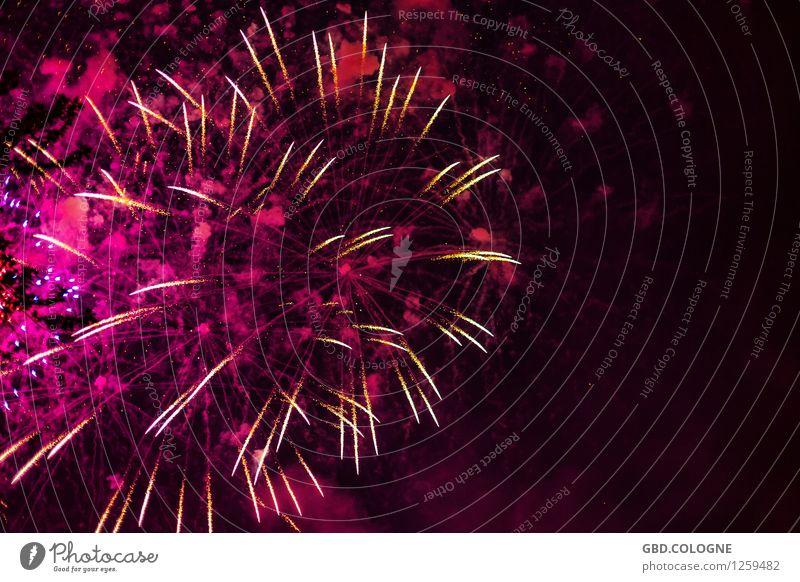 Feuerwerk #11072015_0084 Farbe Party hell rosa groß hoch Unendlichkeit Höhenangst Veranstaltung Silvester u. Neujahr Köln Nachtleben Entertainment gigantisch
