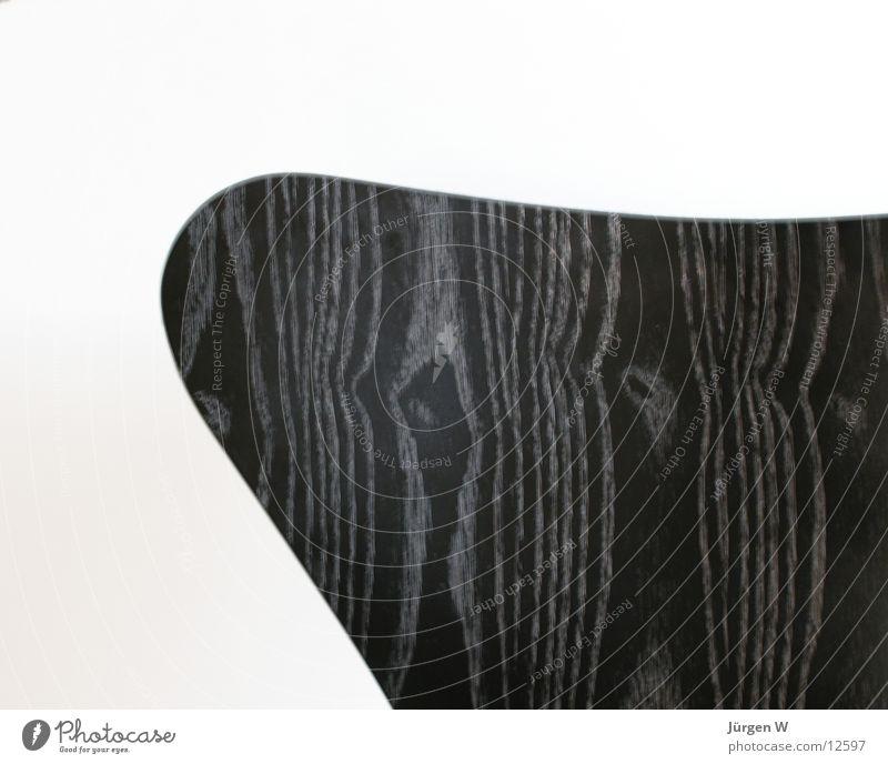 Stuhl 3107, Teilansicht schwarz weiß Kunst klassisch Möbel Holz Holzmehl Design Dinge arne jacobson chair black white furniture Detailaufnahme