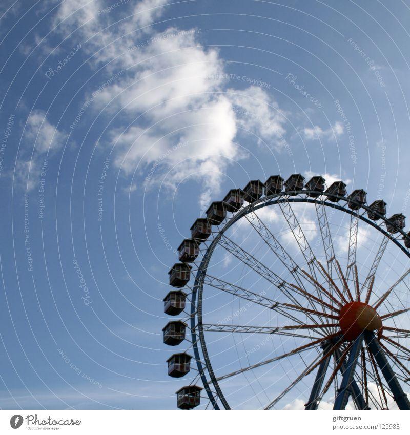 riesenrad Himmel Freude Spielen Freizeit & Hobby groß hoch rund Niveau Jahrmarkt drehen Riesenrad Karussell Schwindelgefühl Attraktion Fahrgeschäfte