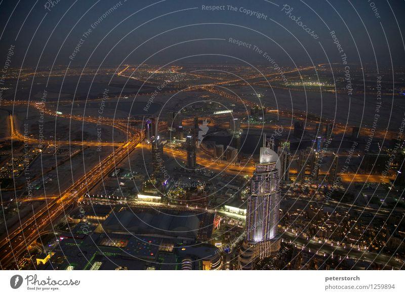 Lichtermeer 4 Ferien & Urlaub & Reisen Sightseeing Städtereise Architektur Dubai Hauptstadt Stadtzentrum Skyline Hochhaus Straßenverkehr Straßenkreuzung
