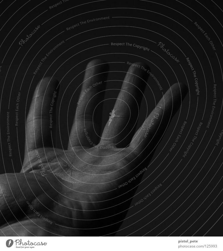 nur vier von fünf Hand Haut Finger 4 Falte Körperteile Fingerabdruck