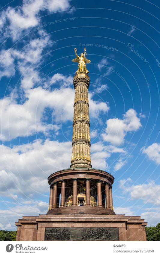 Siegessäule Ferien & Urlaub & Reisen blau Wolken Architektur Berlin Tourismus Bauwerk Wahrzeichen Denkmal Hauptstadt Stadtzentrum Sehenswürdigkeit Attraktion