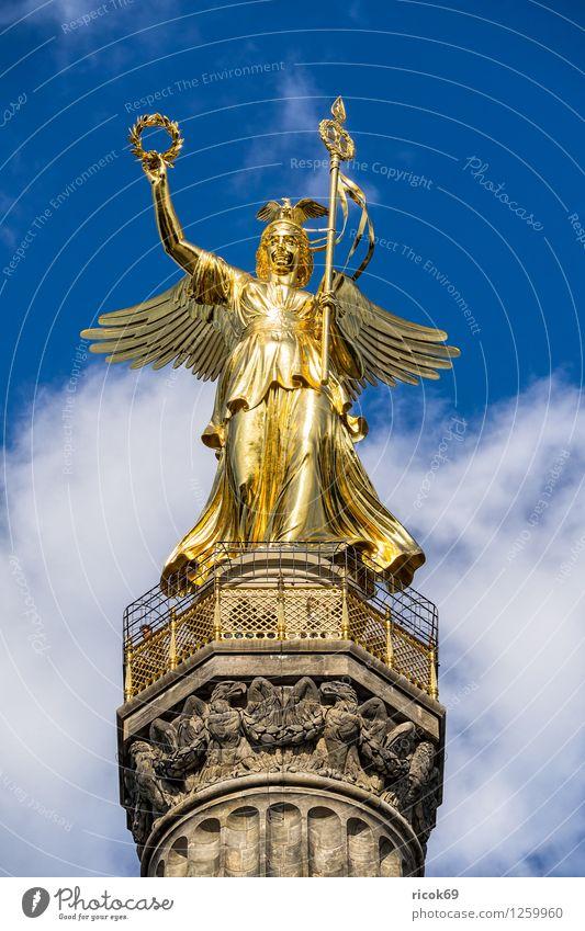 Siegessäule Ferien & Urlaub & Reisen Tourismus Wolken Hauptstadt Stadtzentrum Bauwerk Architektur Sehenswürdigkeit Wahrzeichen Denkmal blau Figur Berlin