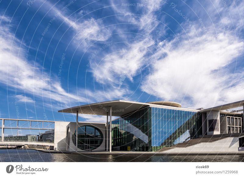 Marie-Elisabeth-Lüders-Haus Ferien & Urlaub & Reisen Stadt blau Wolken Architektur Berlin Gebäude Tourismus Bauwerk Wahrzeichen Hauptstadt Stadtzentrum