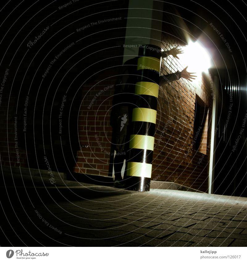 janoschs traumstunde Stab Ständer Säule Am Rand schwarz gelb gestreift Streifen Standort Hand lang Lampe Parkplatz Tarnung Suche verlieren Kunst Straßenkunst