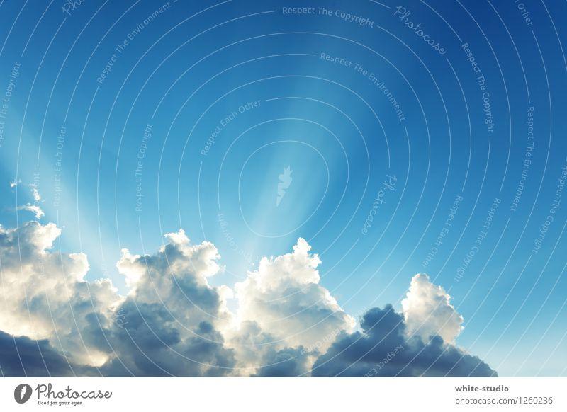 Jemand da im Himmel? Licht ist noch an! Umwelt Natur Glück Gott Gotteshäuser himmlisch Wolken glühen Lichtstrahl Paradies Himmel (Jenseits) himmelwärts Tod