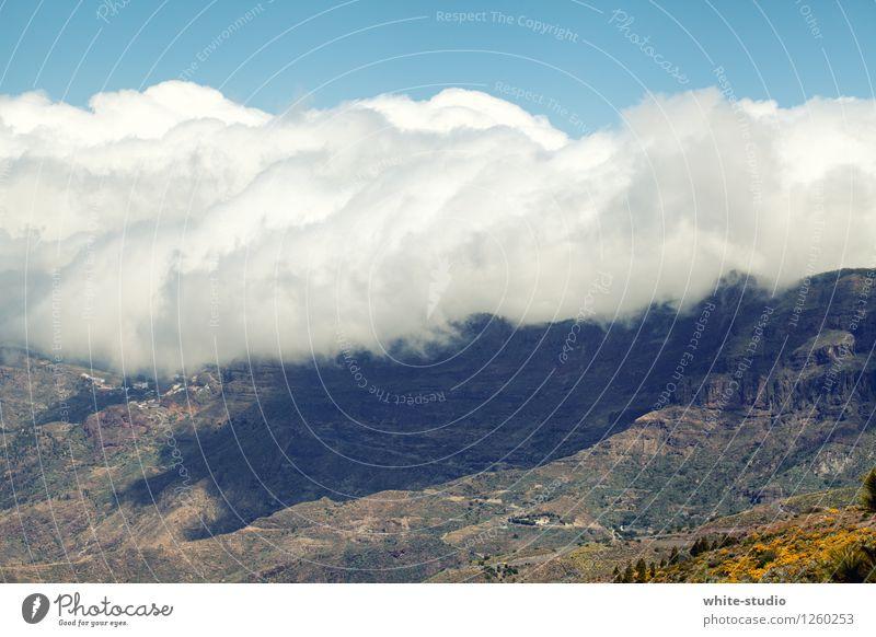 Wolkenberge Hügel Felsen Berge u. Gebirge entdecken Wolkenfeld Wolkenwand Wolkenband Wolkenformation Bergkette Farbfoto